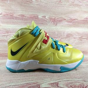 Nike Lebron Soldier 7 VII Sonic Yellow Sneakers 7